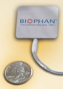 Implantable biothermal power source generates electricity for implantable device from body heat