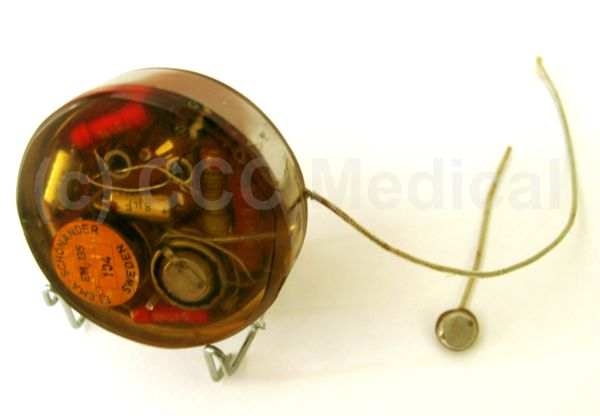 Picture of first succesful long-term human implant pacemaker (Elema) conducted by Dr. Orestes Fiandra, February 1960