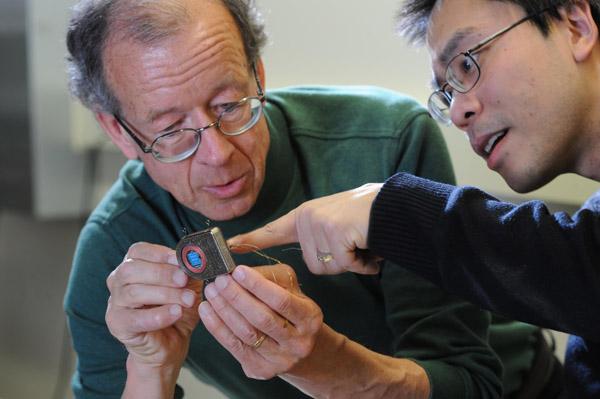 Brown University's fully-implantable brain-computer interface www.implantable-device.com David Prutchi, PhD